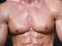 мужская грудь как женская